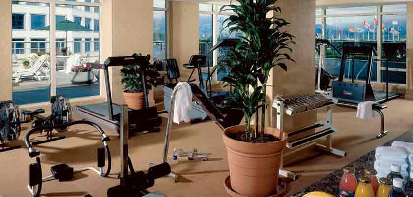 canada_vancouver_fairmont_waterfront_gym.jpg